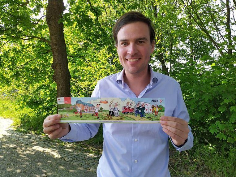 Burgemeester De Clercq kocht de eerste en meteen ook de laatste sticker.