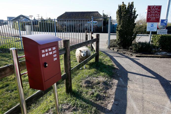 Burgerstem Altena wil weten wat nu wel en niet mag op recreatiepark de Veense Put in Veen.
