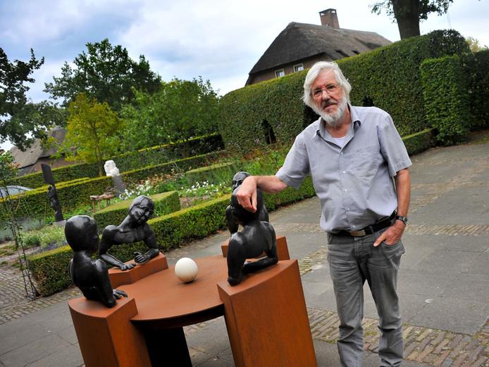 Kunstenaar Hans v Eerd 50 jaar beeldhouwer Oirschot