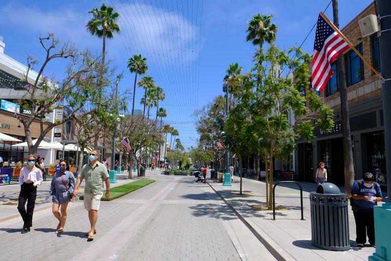 Een rustige Third Street Promenade tijdens Independence Day in Santa Monica. Beeld Getty Images