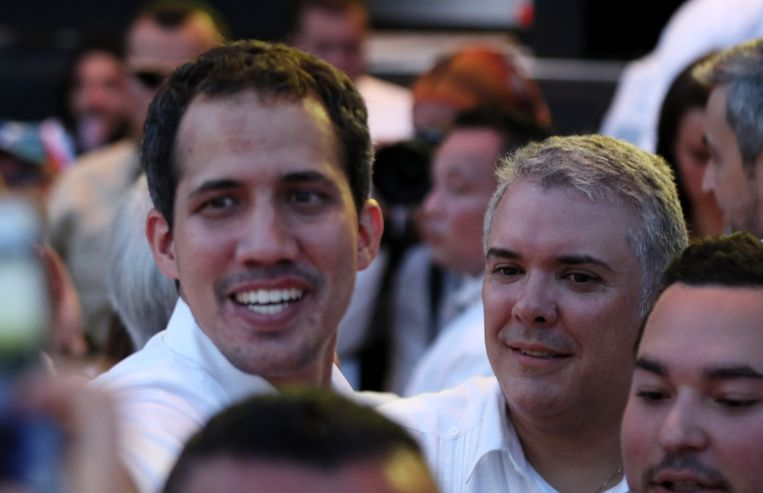 De zelfverklaarde Venezolaanse interim-president Juan Guaido (links) en de Colombiaanse president Ivan Duque (rechts).