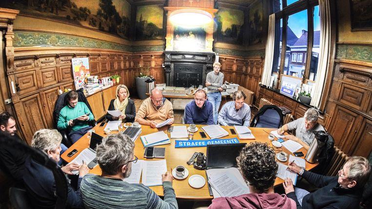 Vrijdag werd de pers uitgenodigd om naar de voorstelling van het meerjarenplan te komen luisteren.