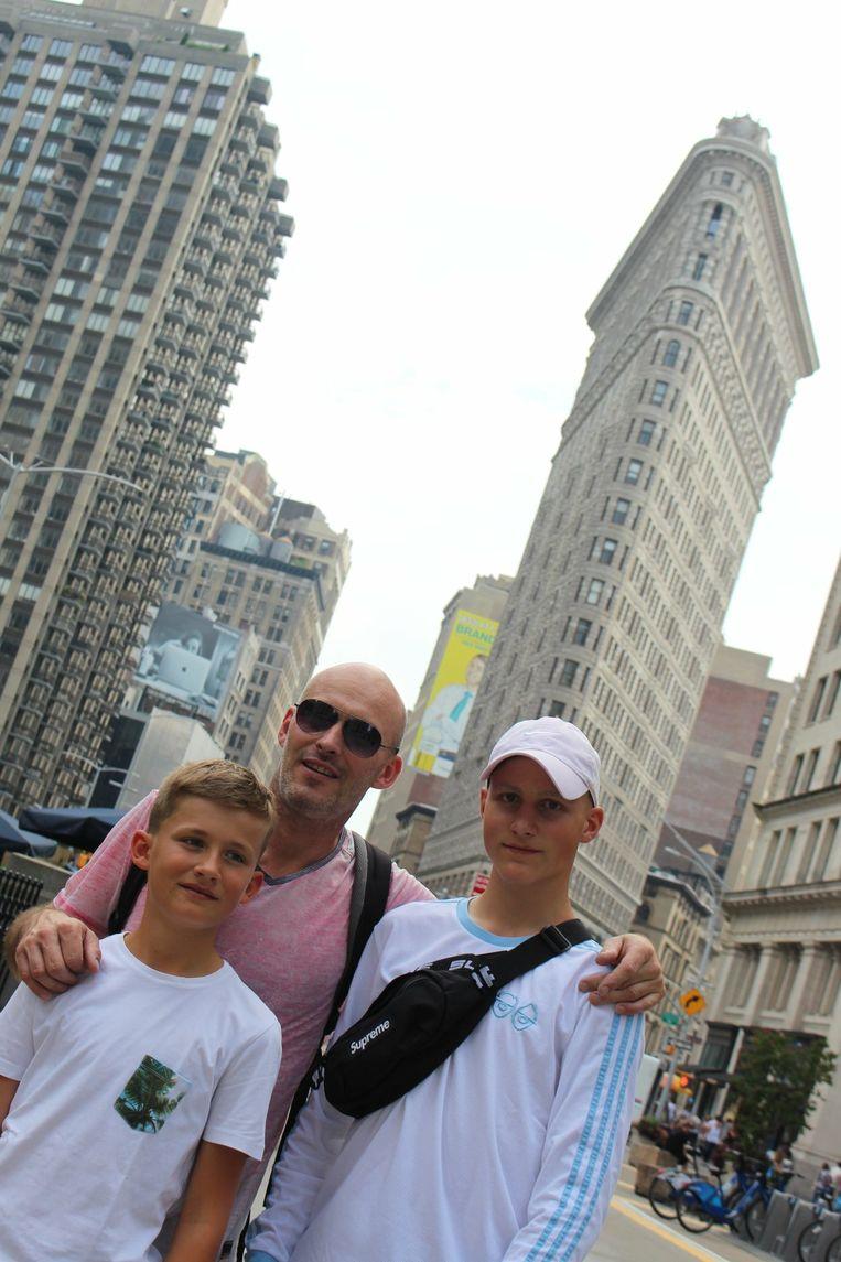 Pieter samen met zijn broer Daan en vader Kurt in New York.