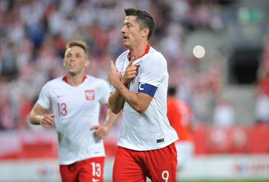 Robert Lewandowski in het shirt van Polen.