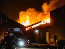 Weer grote brand in Boesingheliede, twee loodsen verwoest