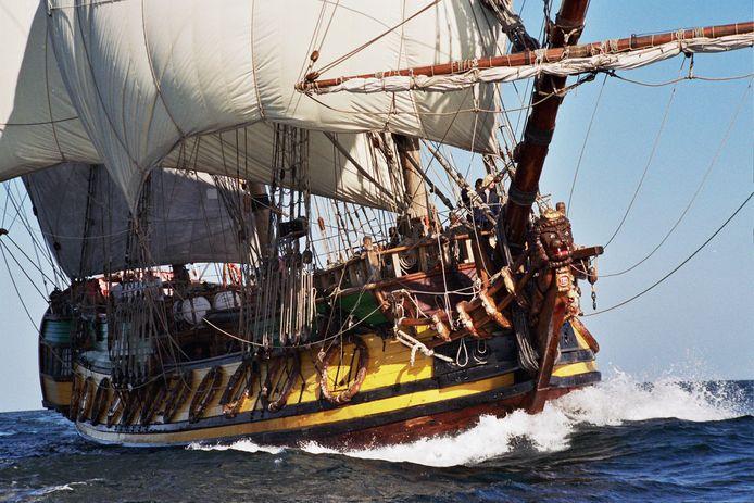 De Shtandart, een replica van het achttiende eeuwse schip van tsaar Peter de Grote.