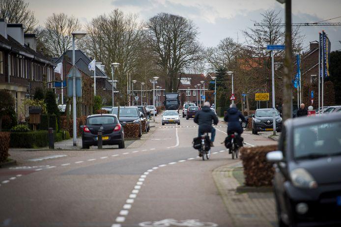 De Opwettenseweg wordt autoluw, toekomstig verkeer van en naar Nuenen-West gaat over een nieuw aan te leggen weg via het Wettenseind.