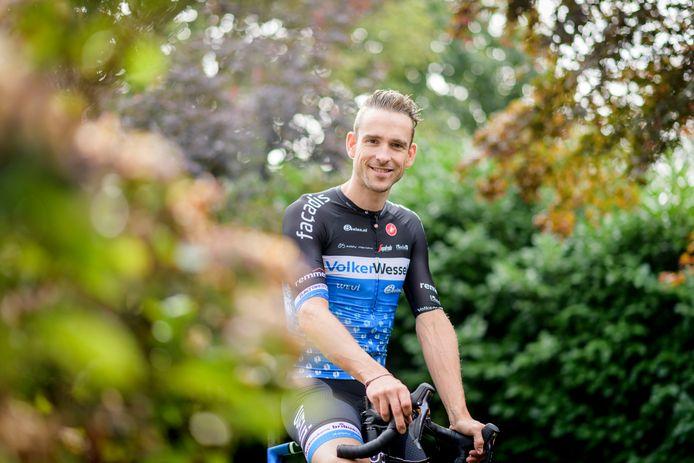 Wielrenner Peter Schulting greep de aangename zondag aan om 'eventjes' 250 kilometer te gaan fietsen.