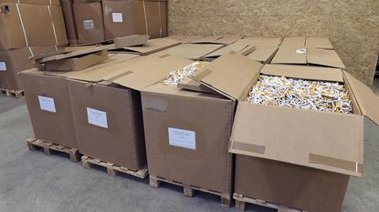 Illegale fabriek opgerold in Grobbendonk: hier rolden 2.000 sigaretten per minuut van de band