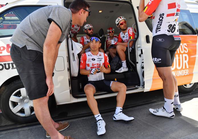 Caleb Ewan in de bus van Lotto-Soudal.