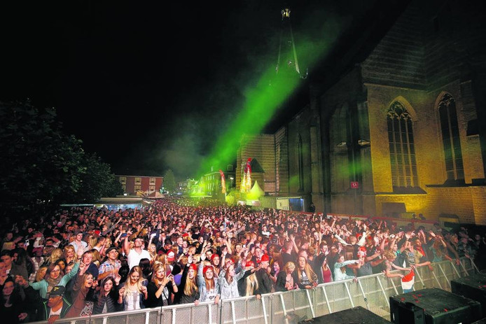 De Dancetour bij het Stadsfeest van 2015, een van Doetinchems grote evenementen.