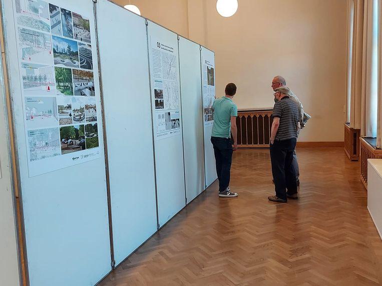 In de gotische zaal van het Poperingse stadhuis loopt tot en met zaterdag een kleine expo met alle plannen, tekeningen en teksten uit het huidige voorstel van de Vroonhofsite.
