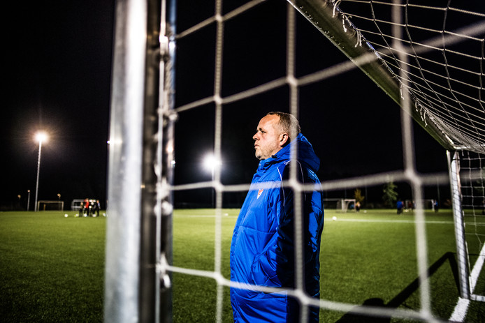 Arnhemse Boys-trainer Marcel Omvlee.