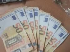 Snelheidsduivel met vals geld op zak maakt het heel bont op de N50 bij Kampen