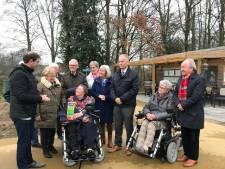 Groene Handdruk voor dementievriendelijke wandeltuin van Liduina in Boxtel