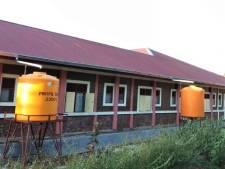 Best geeft geld voor watertonnen West Timor