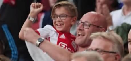 Vader en zoon uit Apeldoorn winnen seizoenkaart voor tien jaar bij Ajax