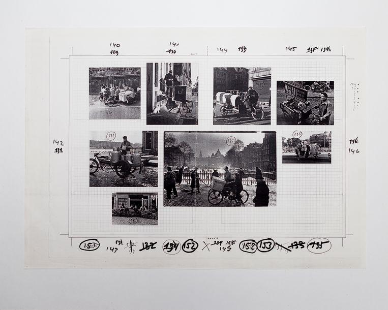 Een pagina uit de dummy van het nooit uitgebrachte fotoboek 'Amsterdam, Amsterdam' van Anthon Beeke met onder andere foto's van Dolf Kruger Kemperbrug, Ed van der Elsken en Jaring Scharensliep.  Beeld Pauline Niks