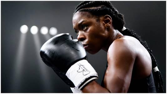 ,,Ik ben tussen het eerste en tweede seizoen blijven trainen met kickboksen.''