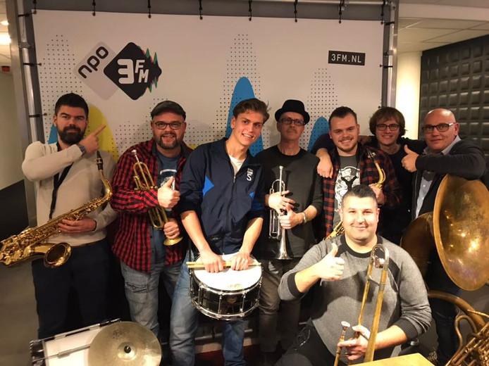 GetBrassed uit Bergen op Zoom in de 3FM studio.