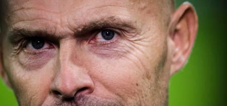 Problemen op linksbackpositie bij Ajax, ook Huntelaar twijfelgeval