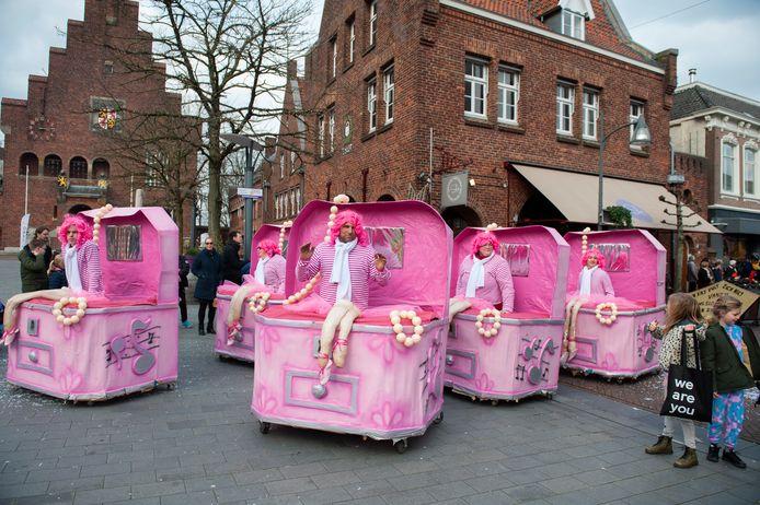 De carnavalsoptocht van afgelopen jaar in Waalwijk.