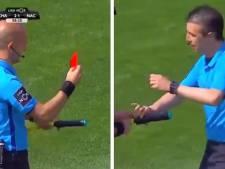 Un arbitre reçoit un carton rouge pour... une pause pipi en plein match