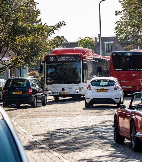 Bewoners Hortensiastraat in Monster balen van zware bussen: 'We liggen te stuiteren in ons bed'