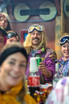 Westervoortse carnavalisten twee keer de klos, maar ook in hondenweer vieren De Dolbotters carnaval