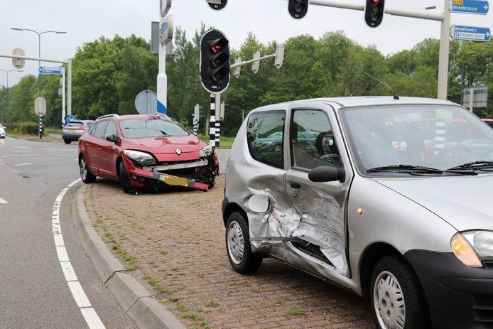 Het ongeluk gebeurde op de kruising tussen de Meerndijk en de C.H. Letschertweg.