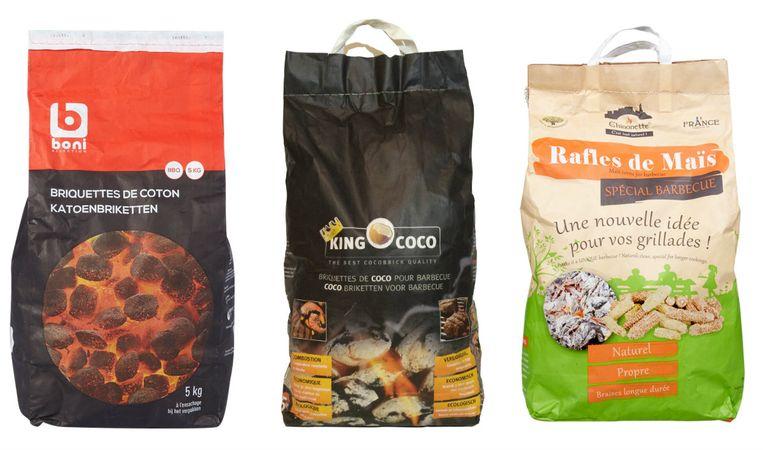 Van l naar r: katoenbriketten, kokosbriketten en maïsbriketten