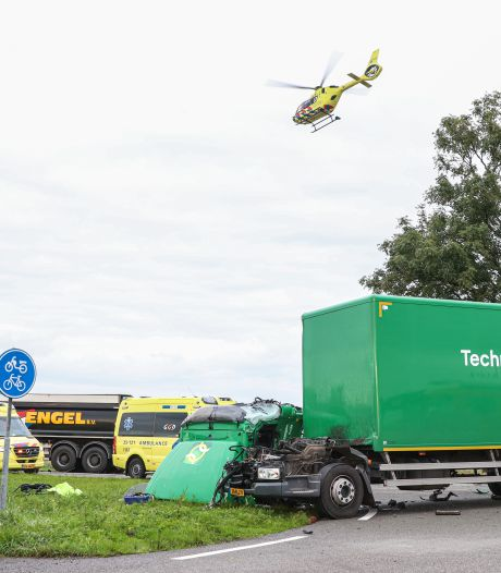 'Dag om gauw te vergeten' na ravage op N352 bij Ens door ongeluk: 'Er werd geen voorrang gegeven'