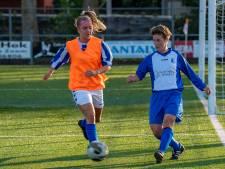 Enthousiaste voetbalsters bij Groot Steenbergen Cup: 'Volle bak er tegenaan'