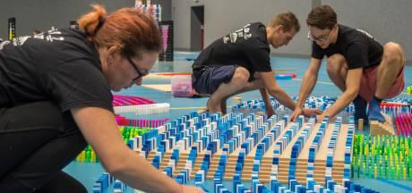 Dutch Domino Team klaar voor nieuw record in Veenendaal met 350.000 dominostenen