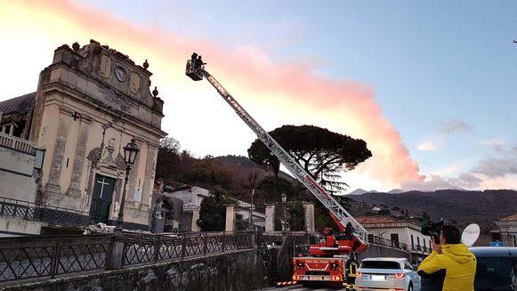 De kerk van Fleri, in de provincie Catania, raakte beschadigd door de aardbeving.