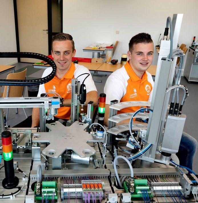 Jasper van Kol (l) en Rick Jooren (r) doen mee aan de World Skills-wedstrijden in Kazan, Rusland.