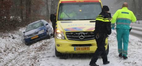 Aantal sneeuw-incidenten op de weg valt nog mee, bussen rijden langzamer