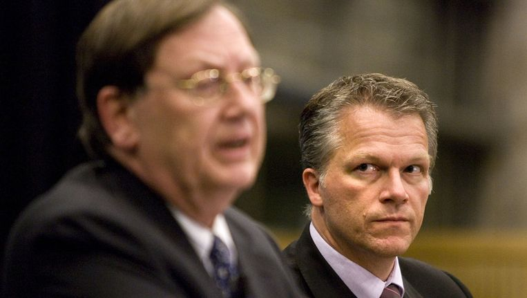 2008: Wouter Bos en Nout Wellink geven een persconferentie over Icesave. Beeld ANP