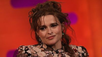 """Een logeerpartijtje met James Bond"": 'The Crown'-actrice Helena Bonham Carter over bijzonder bezoekje aan The Queen"