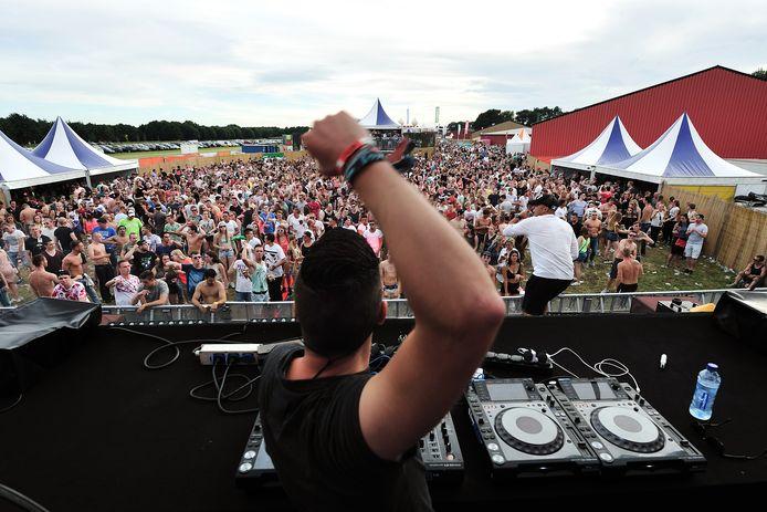 Dancefestival Daylight strijkt komende zaterdag weer neer op de vliegbasis van Breda International Airport in Bosschenhoofd.