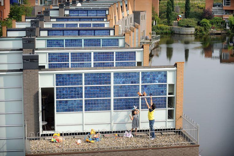 Zonnepanelen in Amersfoort (Marcel van den Bergh / de Volkskrant) Beeld Marcel van den Bergh