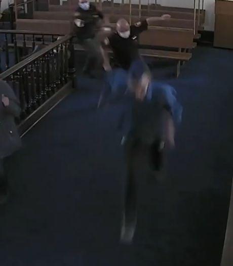 Un homme s'échappe du tribunal pendant sa condamnation