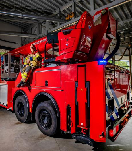Wessel (40) uit Harderwijk is doordeweeks technicus in St Jansdal in het weekend is hij brandweerman