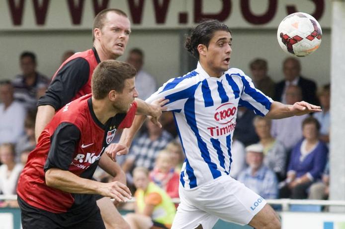 Milad Intezar (rechts) tijdens een duel met De Treffers. Archieffoto: Raphaël Drent