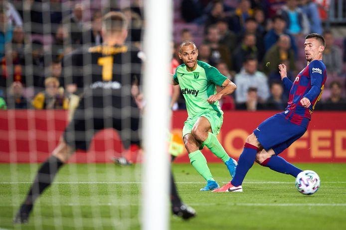 Martin Braithwaite in actie tégen FC Barcelona, eerder dit seizoen.