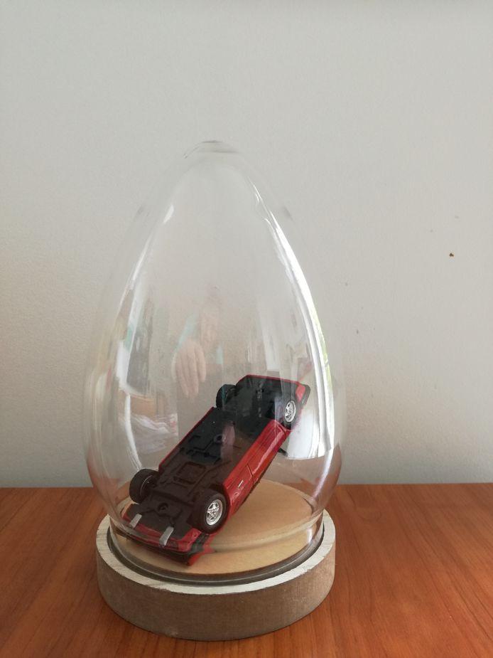 Kunstenaar Feike Otto van der Zee zou de Ferrari graag op deze manier tentoonstellen.