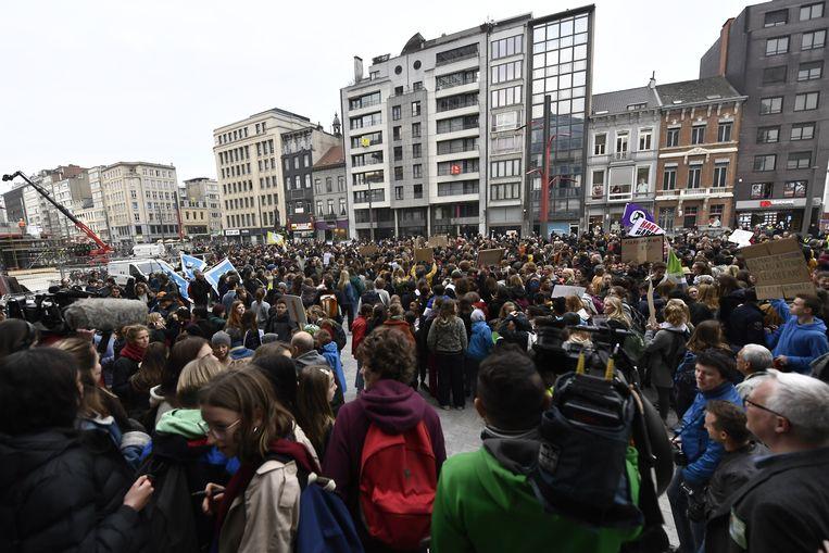 De eerste nationale betoging in de Scheldestad lokte zo'n 3.000 deelnemers, volgens de politie. De organisatie spreekt van 4.000 betogers.