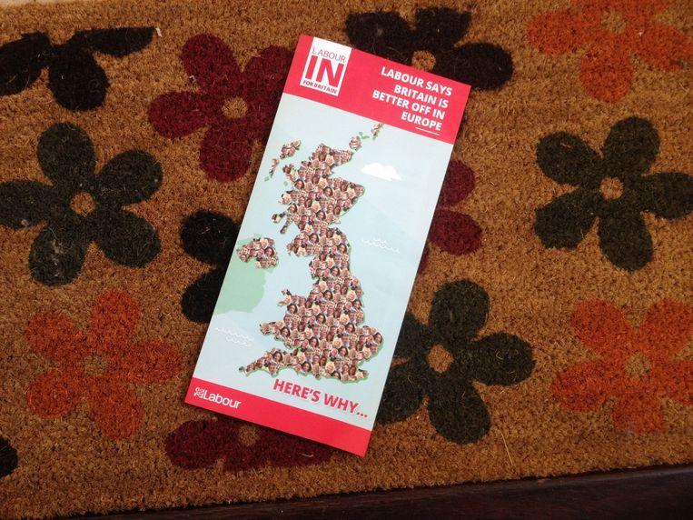 Foldertje van Labour. Beeld Patrick van IJzendoorn