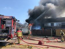 Felle brand in woning, schuur en vrachtwagen in Wapenveld