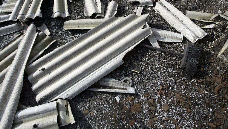Asbestgolfplaten. Beeld Bram Saeys / HH